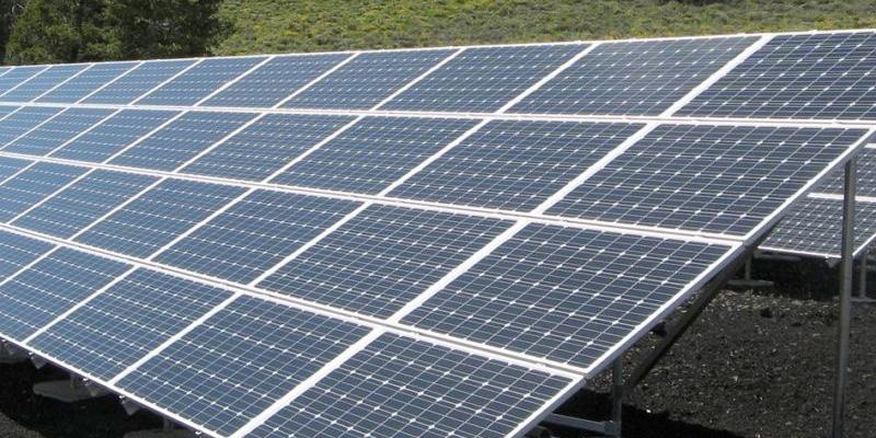 Panel fotovoltaico donde se aplica Umbrella para reducir su mantenimiento y aumentar su rendimiento