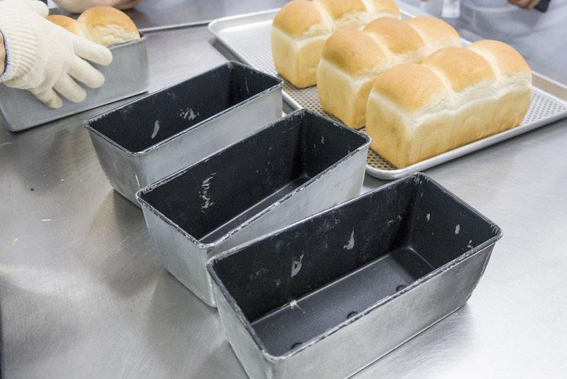 Así se evitan los tóxicos en la elaboración del pan: recubrimientos antiadherentes nanotecnológicos